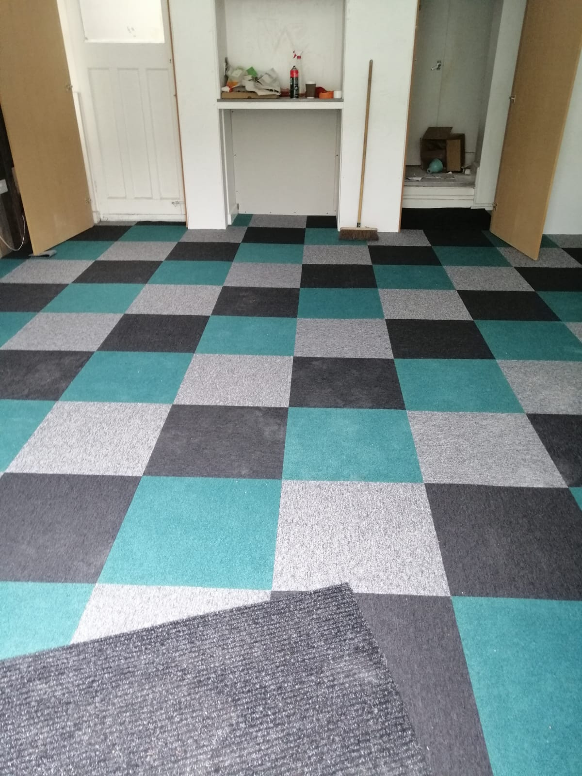 Carpet tiles for a newly fitted room by Techflooring