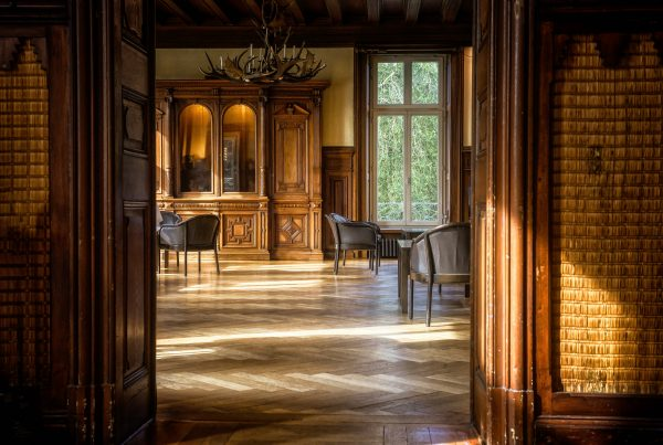 a beautiful statehome internal home image showing parquet flooring